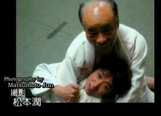 MagoMago_Arashi_[2005.06.25]_012_Jun_Ohno_Judo_Dojo.avi_001648114